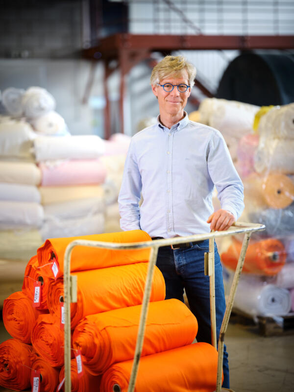 The story of DyeCoo Textile Systems, water and chemical free dyeing