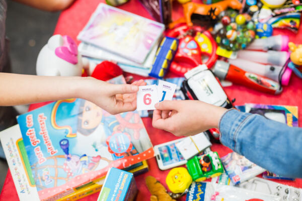 Recycle Sint - Toolkit for toys swap markets
